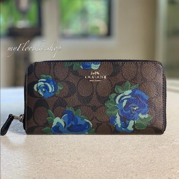 Coach Handbags - 🔥Sale🔥NEW❗️COACH Wallet
